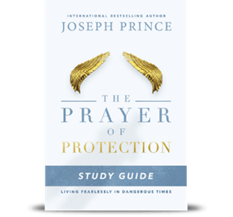 The Prayer of Protection Study Guide–Living Fearlessly in Dangerous Times (Softback)